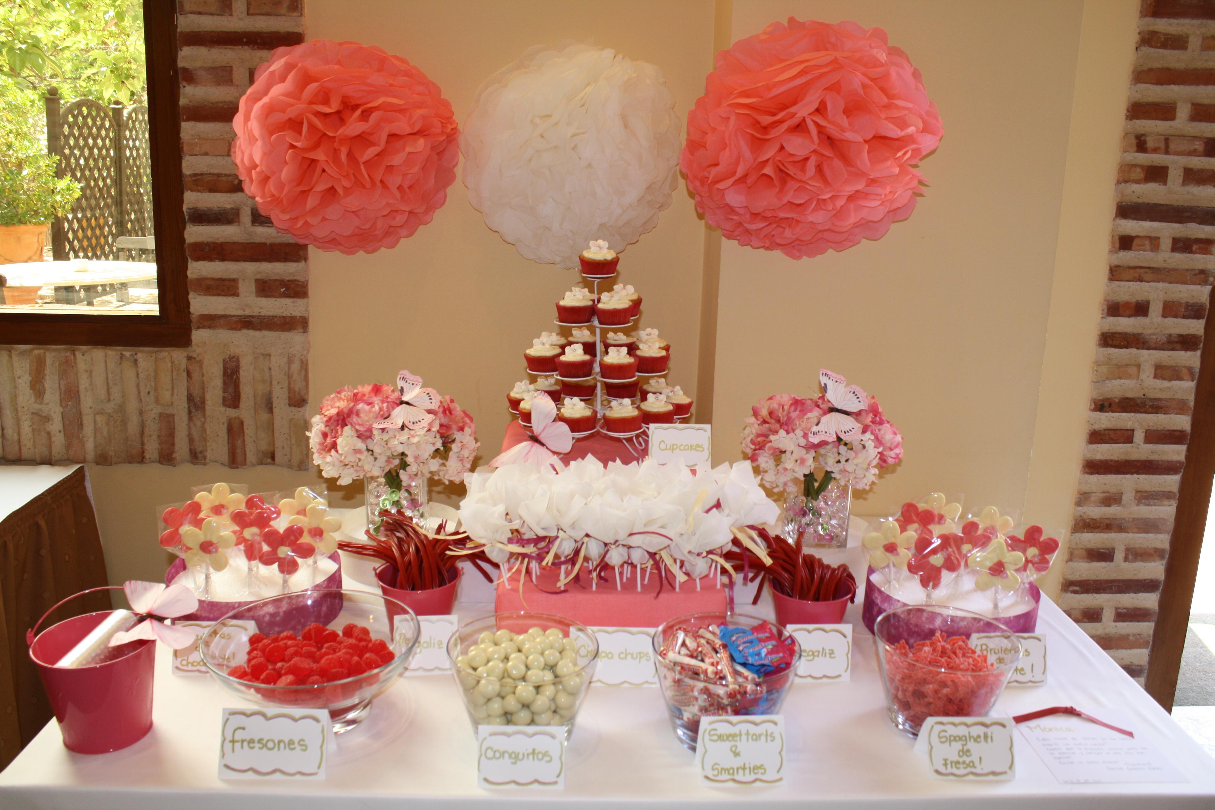 Decoraci n mesa de dulces para primera comuni n imagui for Decoracion mesas dulces